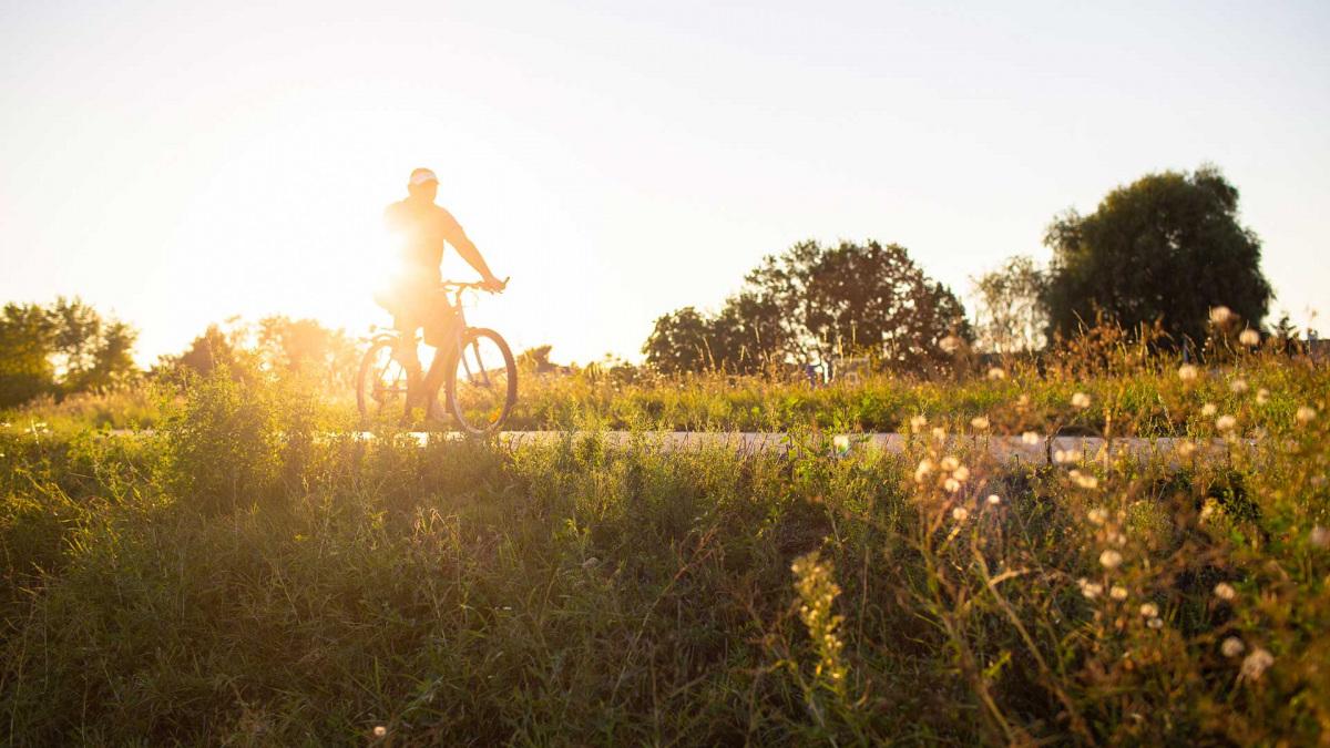 biciklizo-ember-napfeny_2.jpg