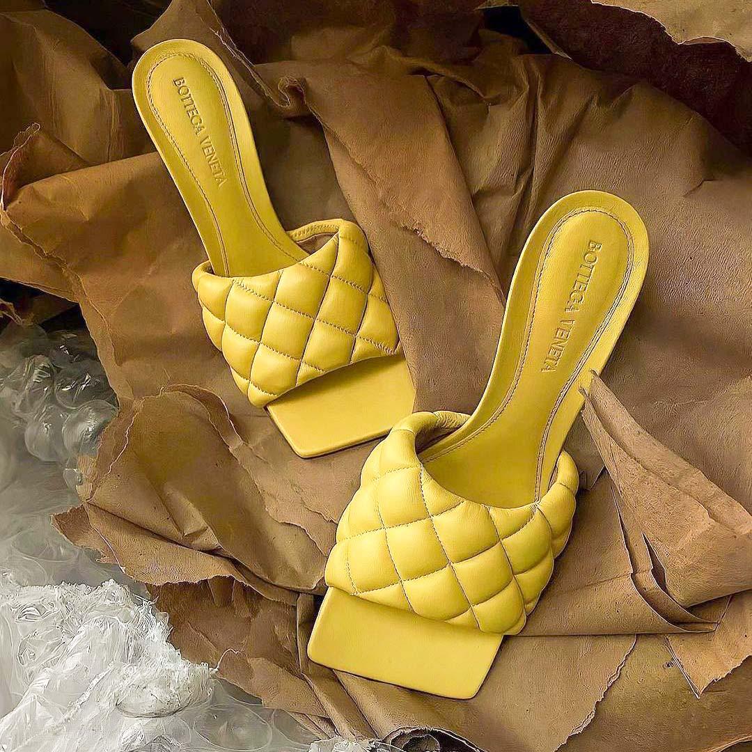 bottega-veneta-sarga-papucs.jpg