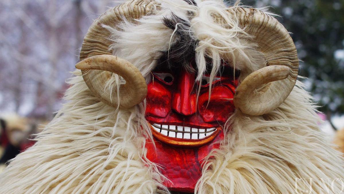 buso-jelmez-karneval.jpg