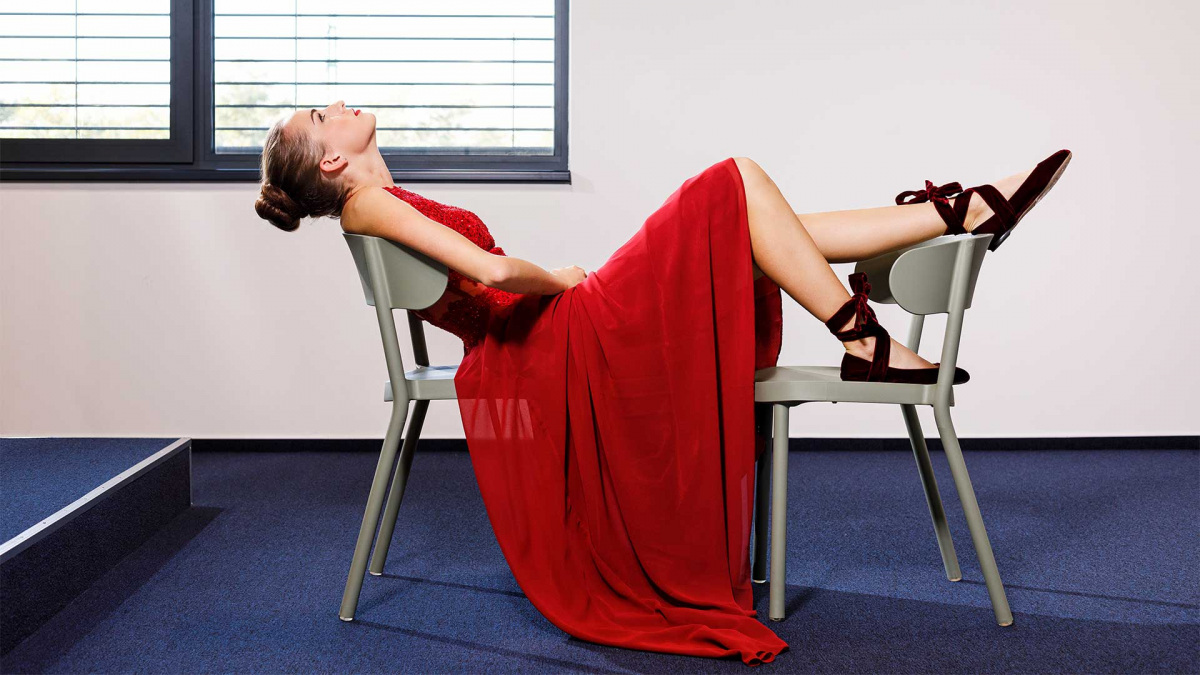 pesti-divat-piros-ruhas.jpg