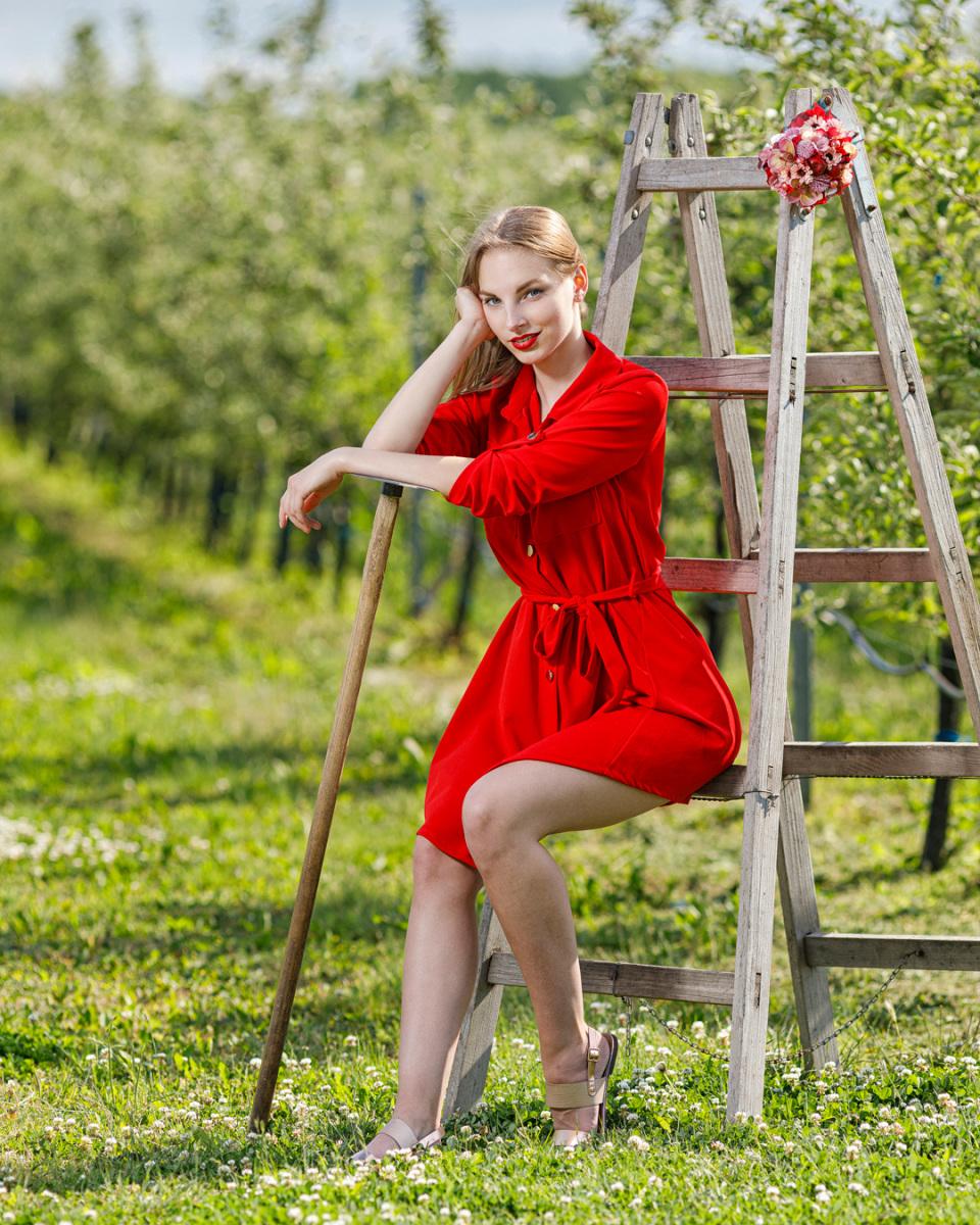 piros-ruha.jpg