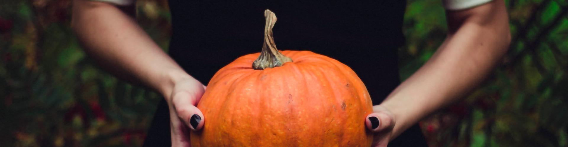 Még nem tudod, minek öltözz az otthoni halloween-bulidra?