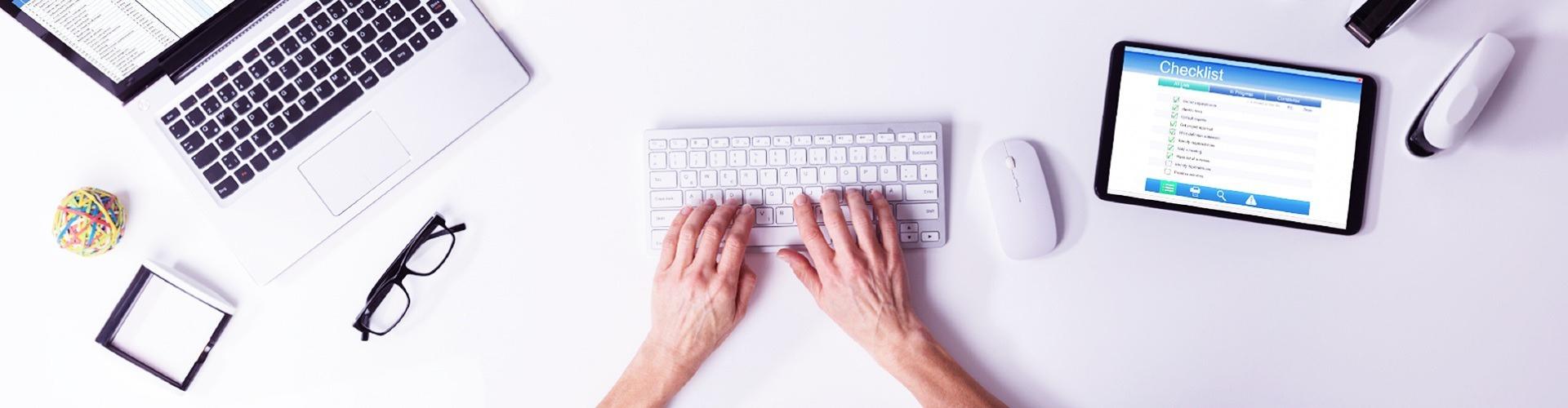 Kukkantsunk be egy tanári kar online értekezletére!