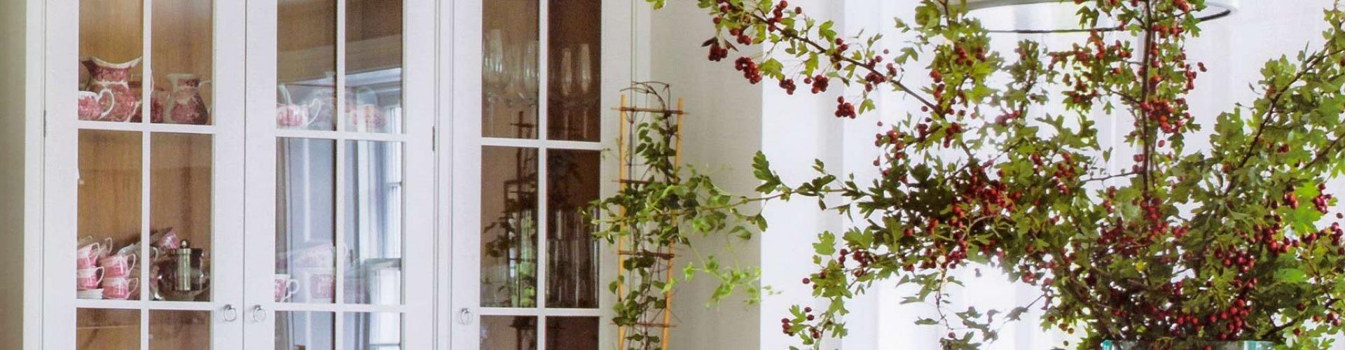 Rózsás házban