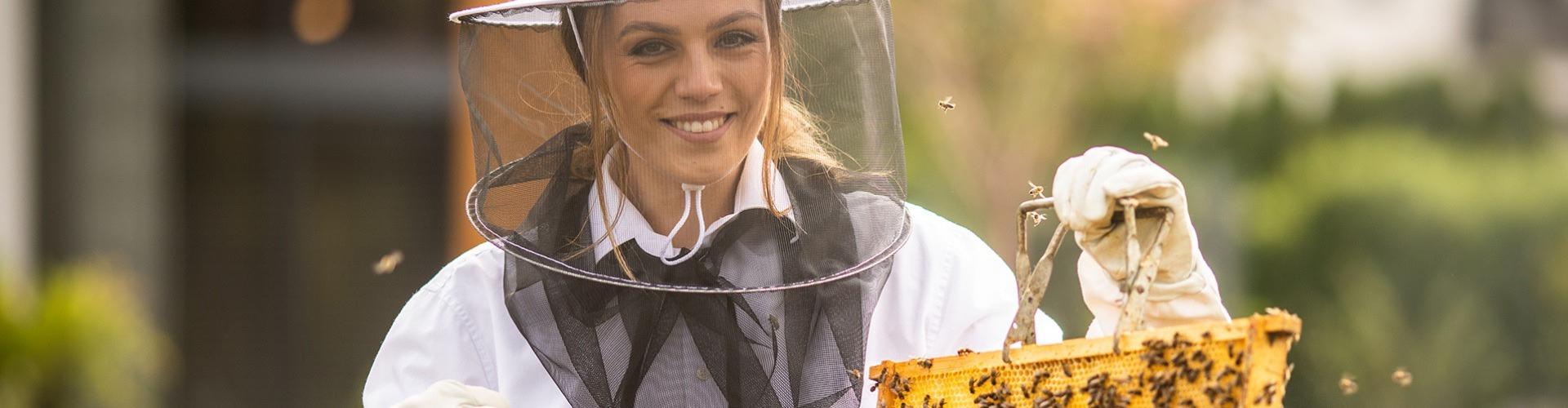 Örökölt sors, avagy méhészek Nagymegyeren