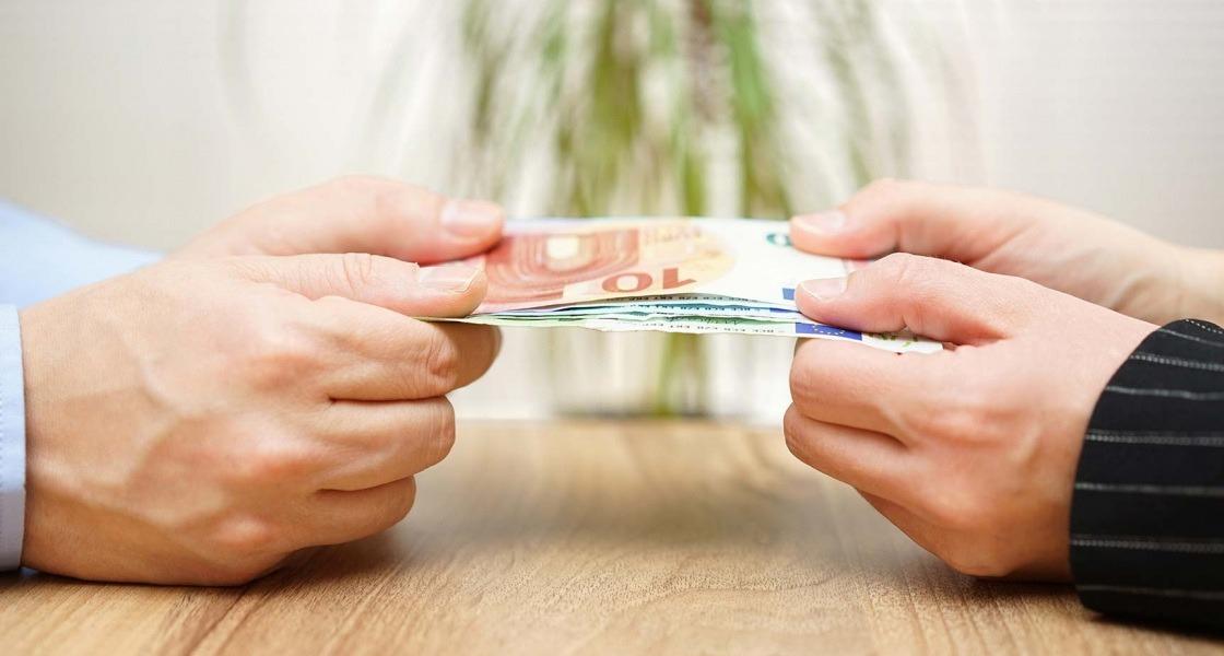 A pénz a házasságban is nagy úr