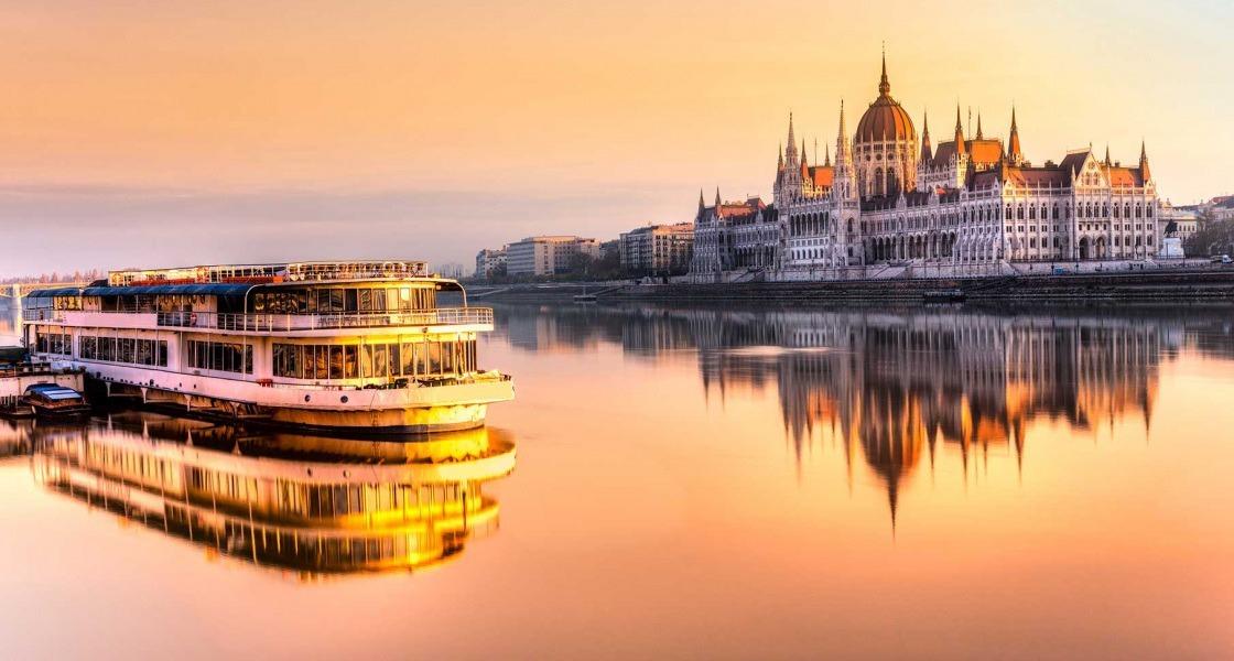 Budapest vacsorás sétahajózással